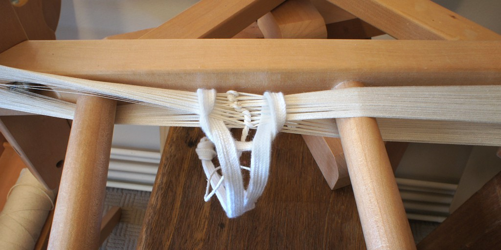 Warping yarn detail